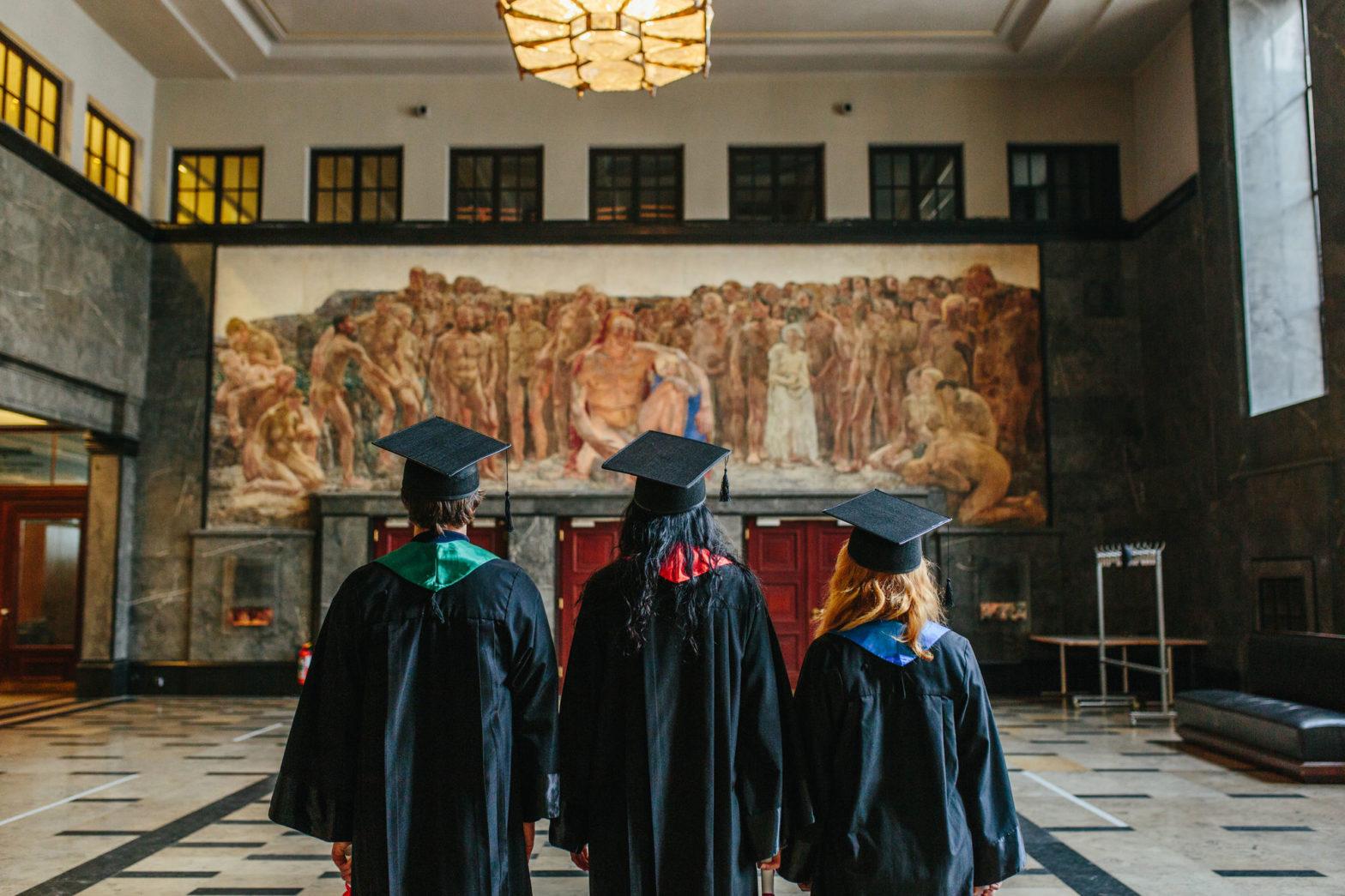 Absolventen in der Prometheushalle