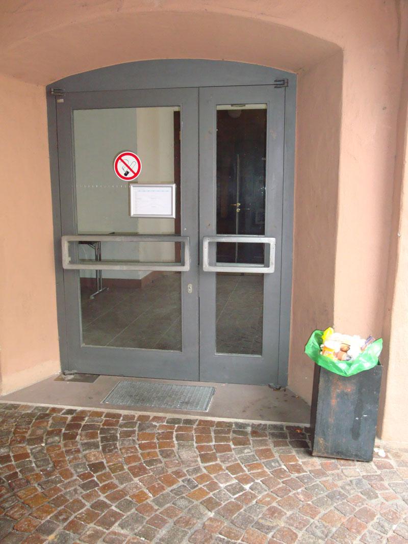 Eingang-Alte-Uni-5