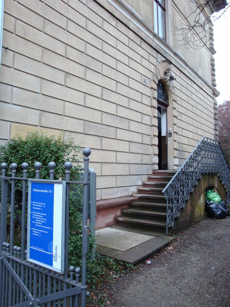 Eingang Erbprinzenstr. 17a