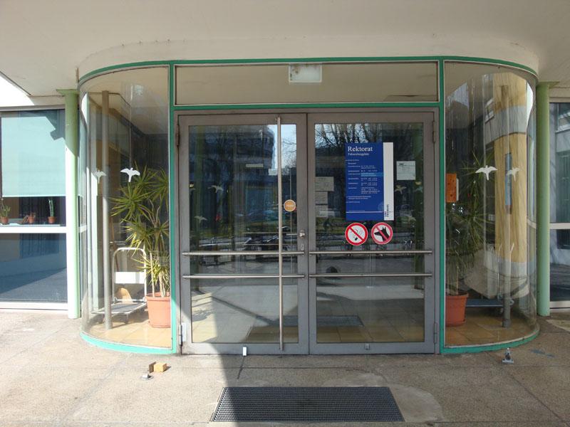 Eingang-Rektorat-1